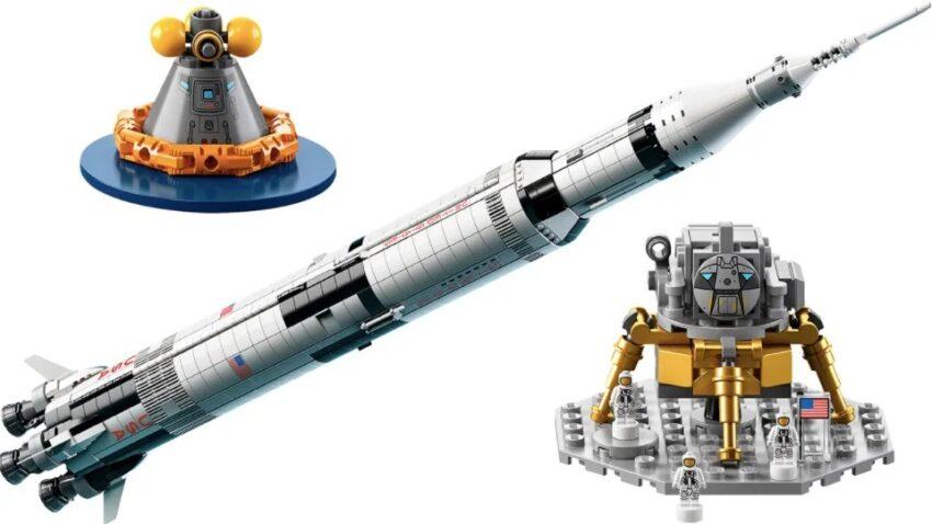 Une énorme fusée Apollo Saturn V (92176)